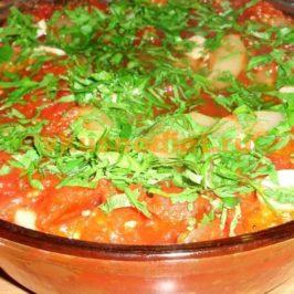 Баклажаны слоями с помидорами, болгарским перцем и кабачками
