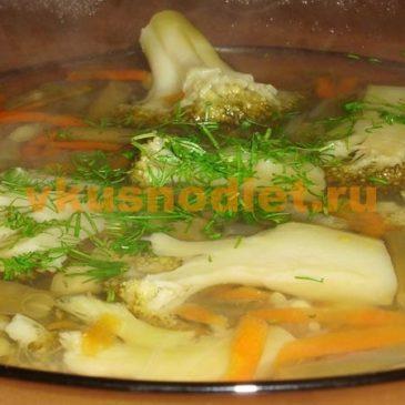 Овощной суп из брокколи с фасолью